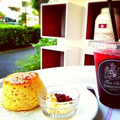 #breaktime #English #Scone with #Herbtea. #STCHRISTOPHERSGARDEN #セントクリストファーガーデン#目黒八雲店 http://stc-inter.co.jp/