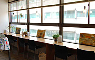 Calo Bookshop & Cafe (カロ)